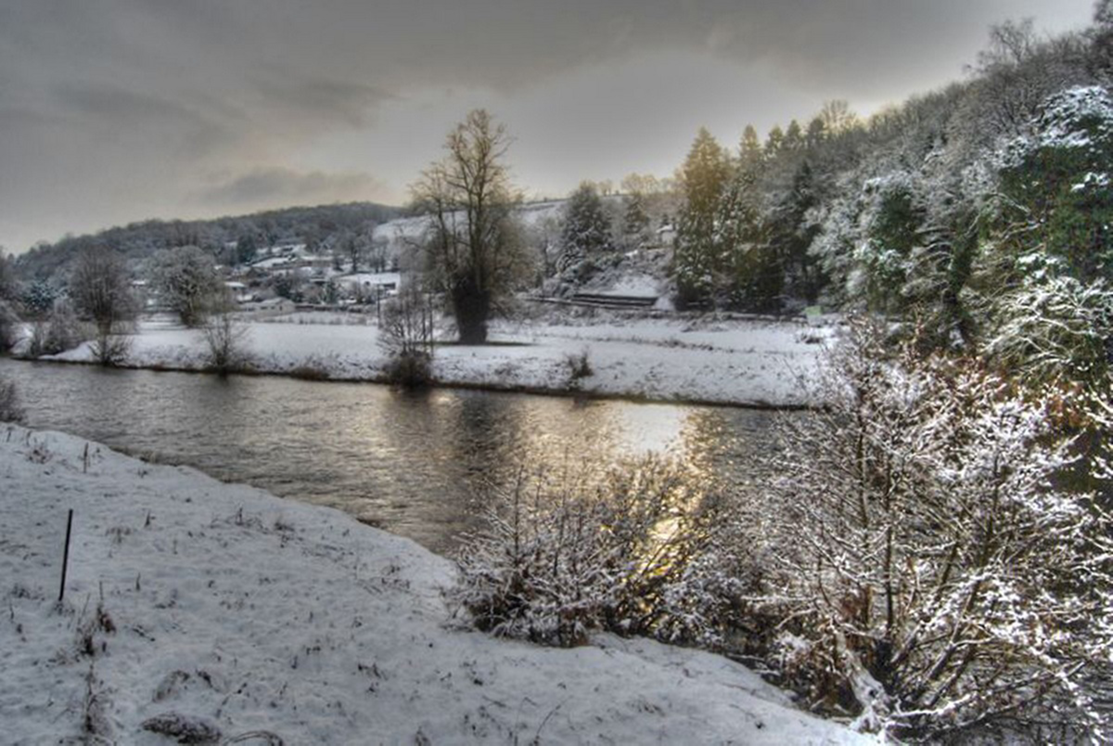 Aileen McCaskill River Clyde At Mauldslie in Winter