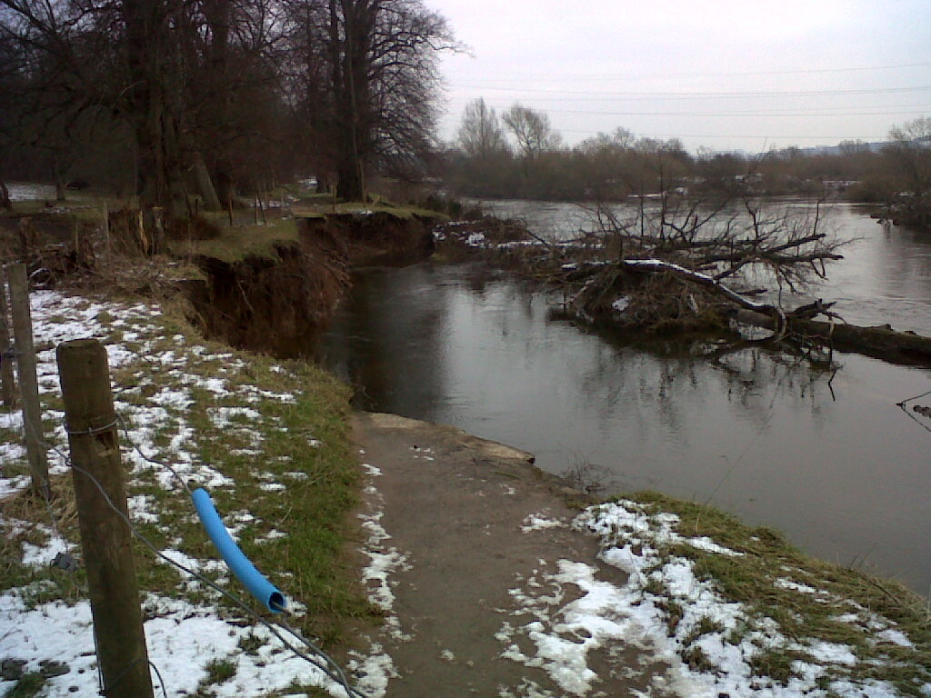 The Clyde Walkway had become badly eroded at RSPB Baron's Haugh at Motherwell. The new path provides half a kilometre of alternative route through the nature reserve.