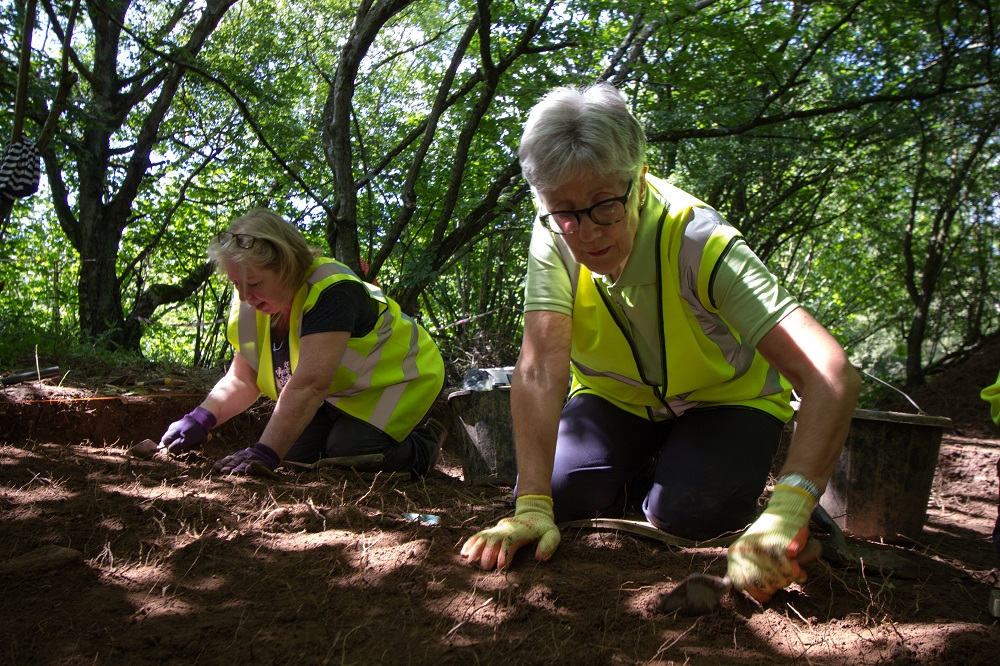 Volunteers Jean Tumilty and Liz McKnight at work at Castle Qua, Cartland Craigs