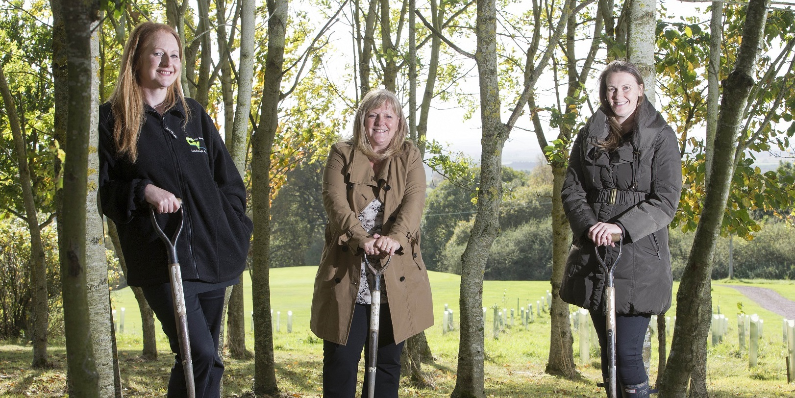 27 volunteers and six young people supported by Barnardos planted two hectares of new woodland at Carluke Golf Course in 2014, funded by UK Steel Enterprise, South Lanarkshire LEADER and managed by Central Scotland Green Network Trust and Artscape